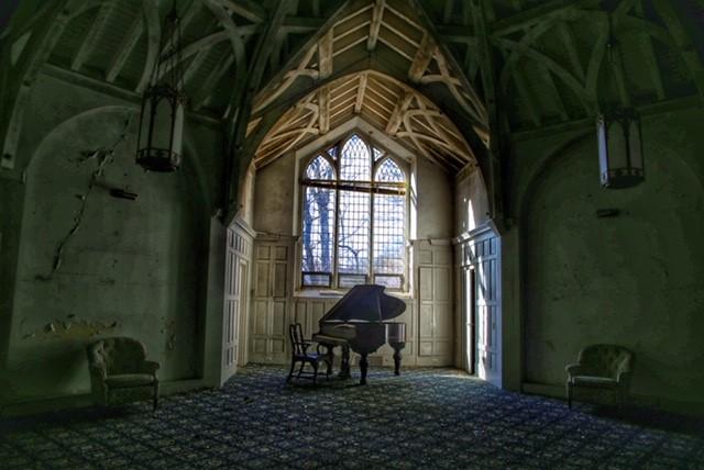 CVLiz Cooke, Convalescent Piano Room